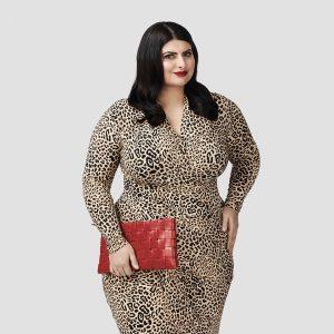 BD_NahremanIssa_Standing_LeopardDress_RedPurse