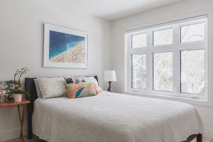 Bedroom2_White_BigWindow_WhiteBedding