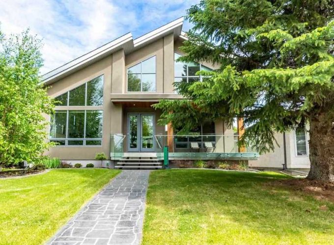 Property of the Week: Central and Sleek