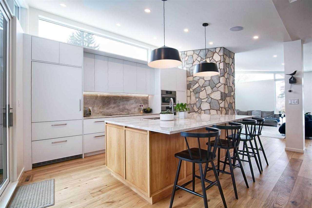 Belg-kitchen.jpg