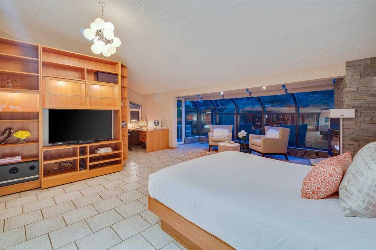 Belmont-bedroom.jpg