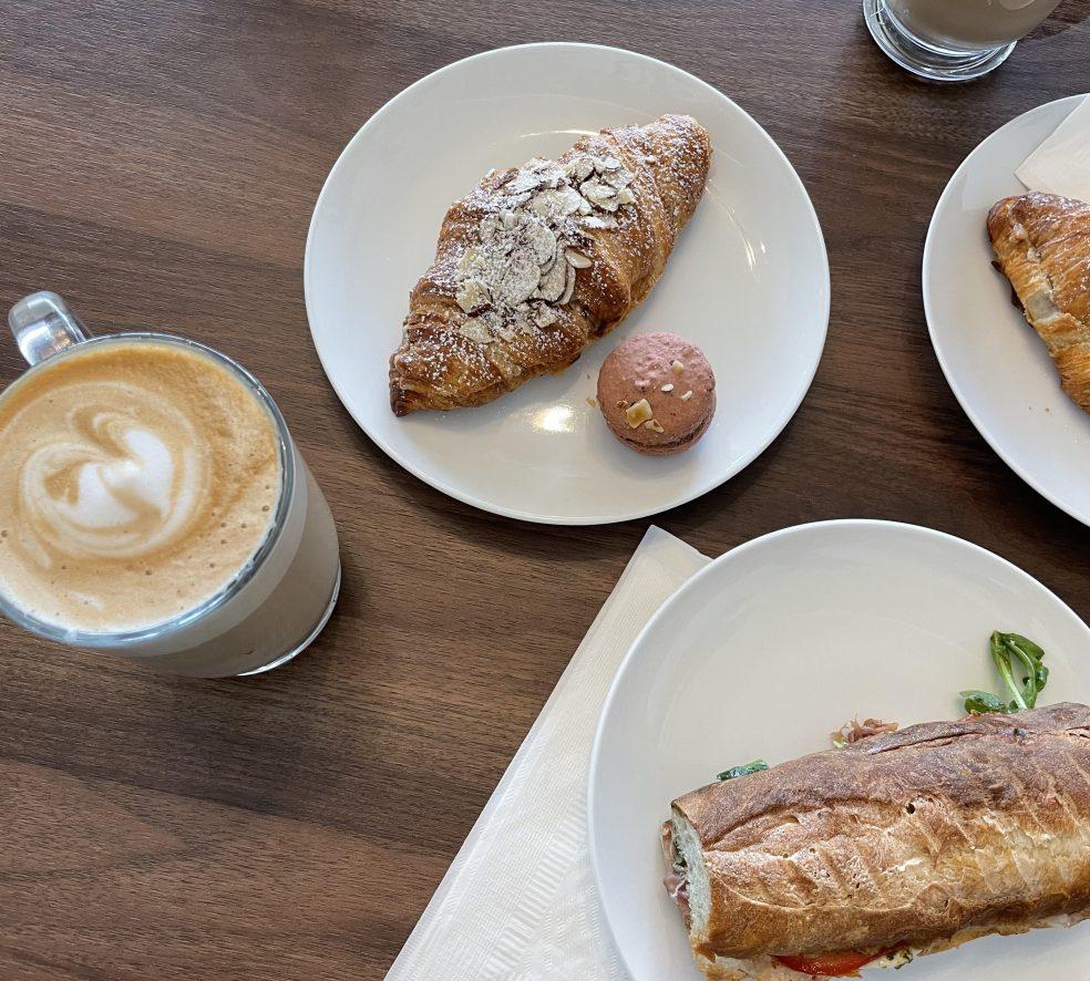 Snack Break: Café la Reine