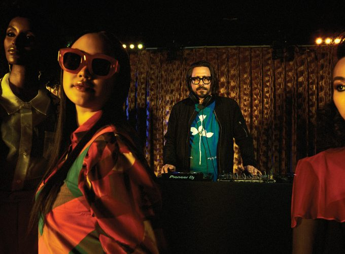 DJs and Fashion Take a Spin, Everyone on the Dance Floor