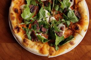 Die Pie's vegan mac and cheese pizza