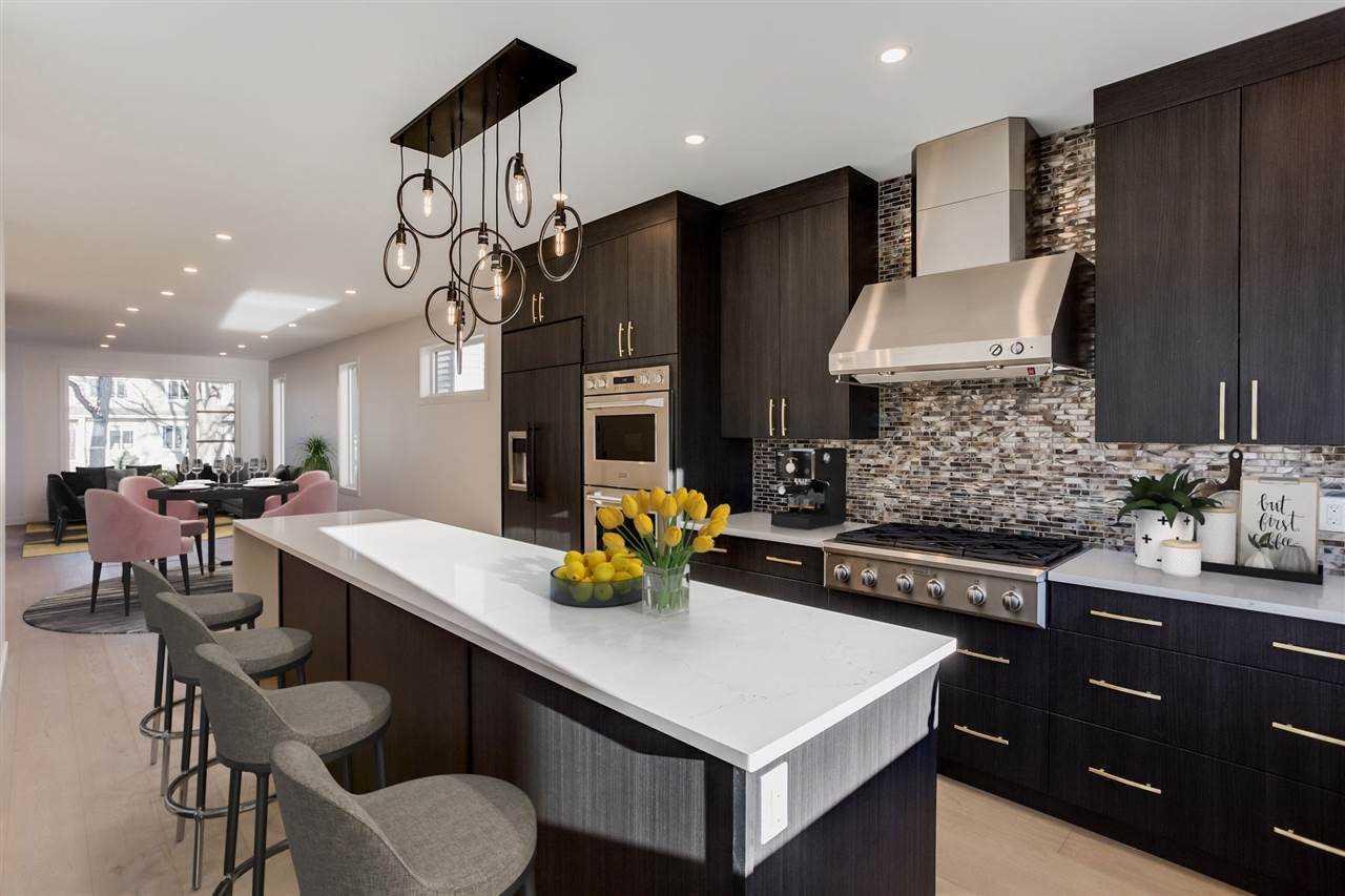Hazel-kitchen.jpg