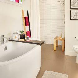 House4_Bathroom_Tub_OpenShower