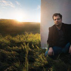 Iran_Javad_Meimandi_crouching_field__setting_sun_seamless