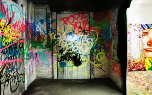 MR_GraffitiRoom_002