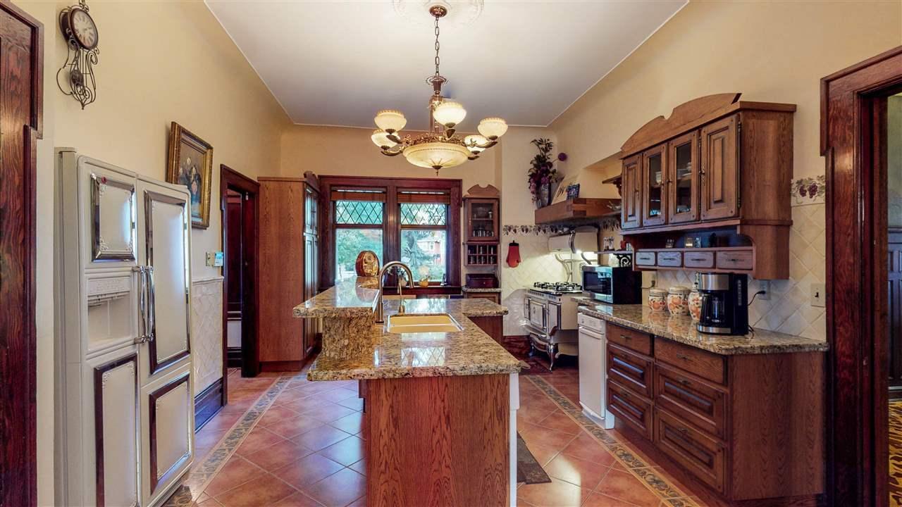 Mag-kitchen.jpg