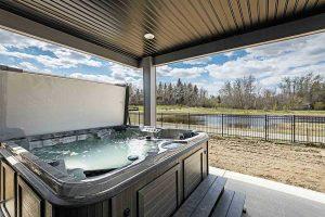 Ry-hot-tub.jpg