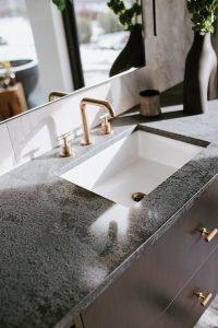 McLean house, sinks