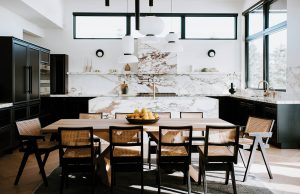 Spaces_Kitchen_TableAndChairs