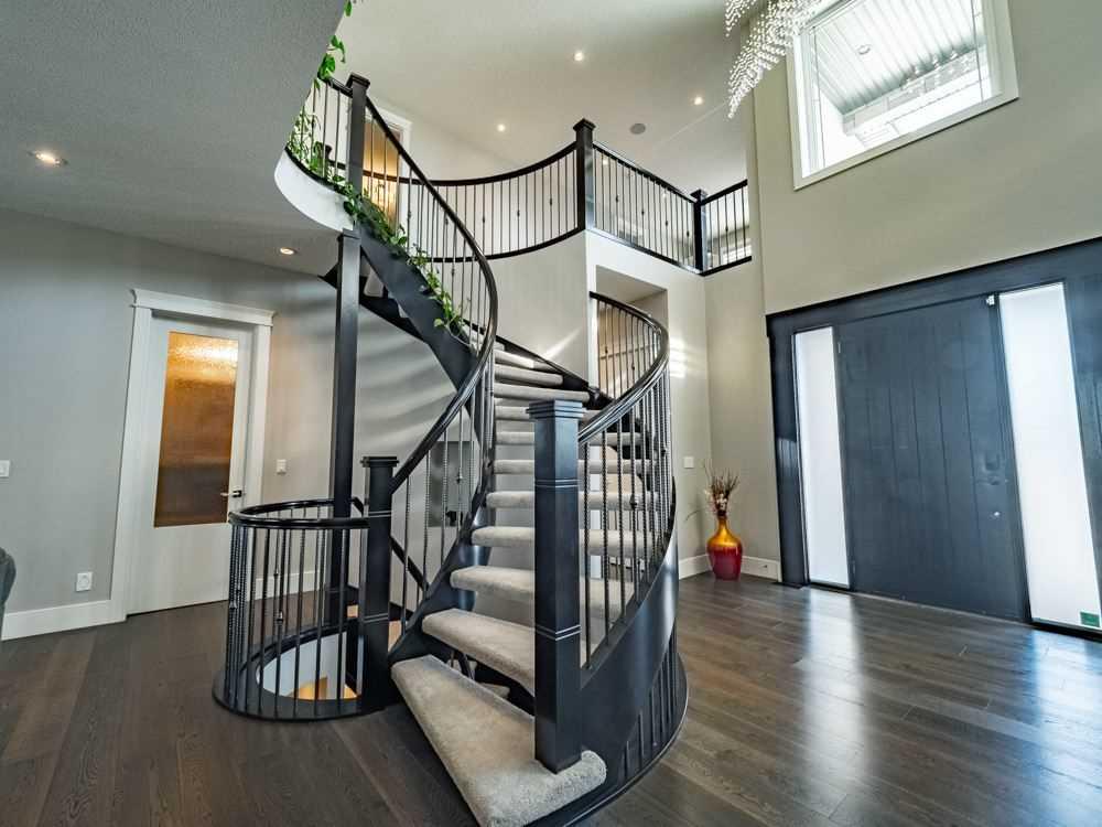 West-stairs.jpg