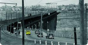 homepage-banner-car-on-bridge