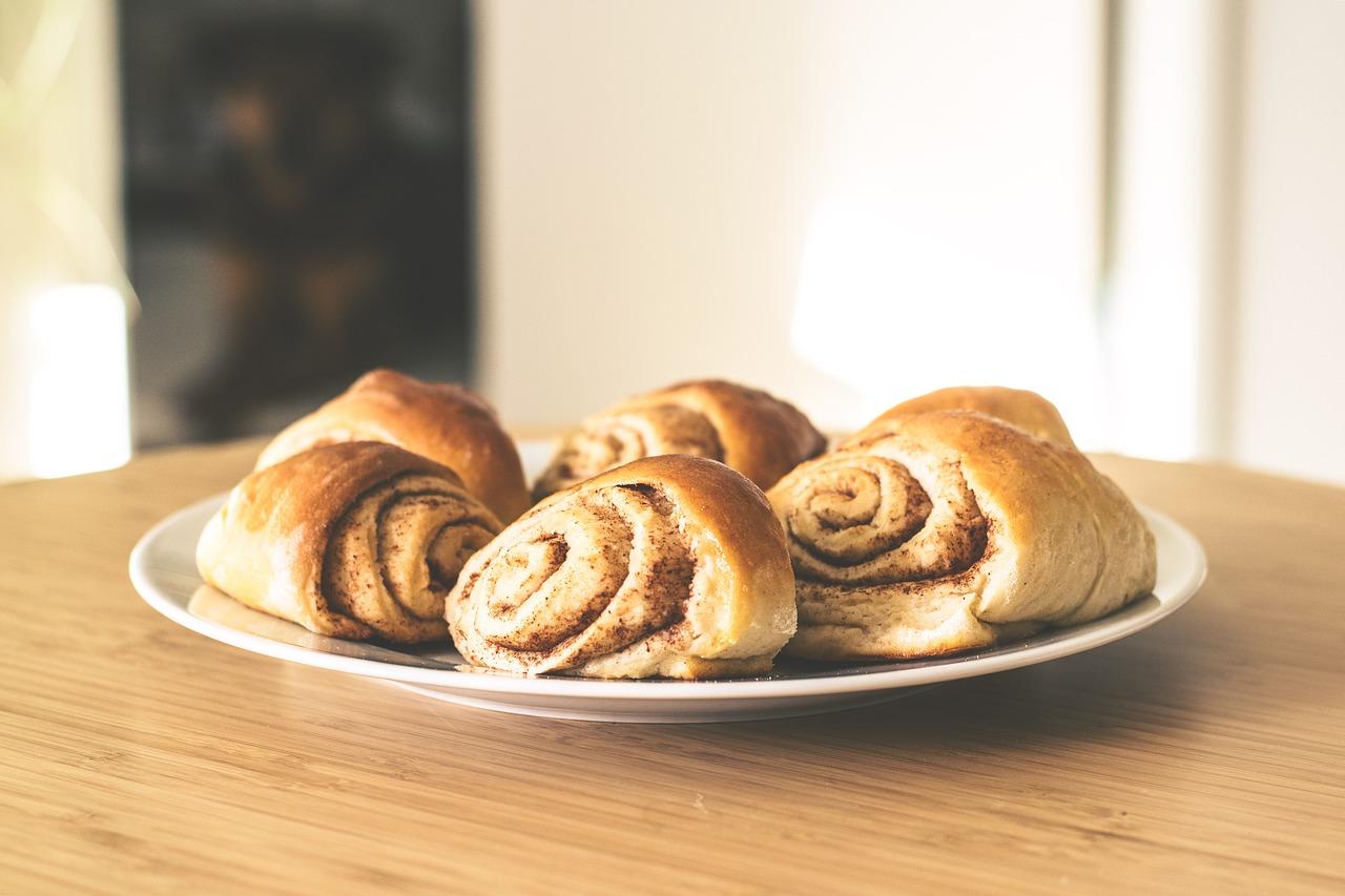 pastries-2208050_1280
